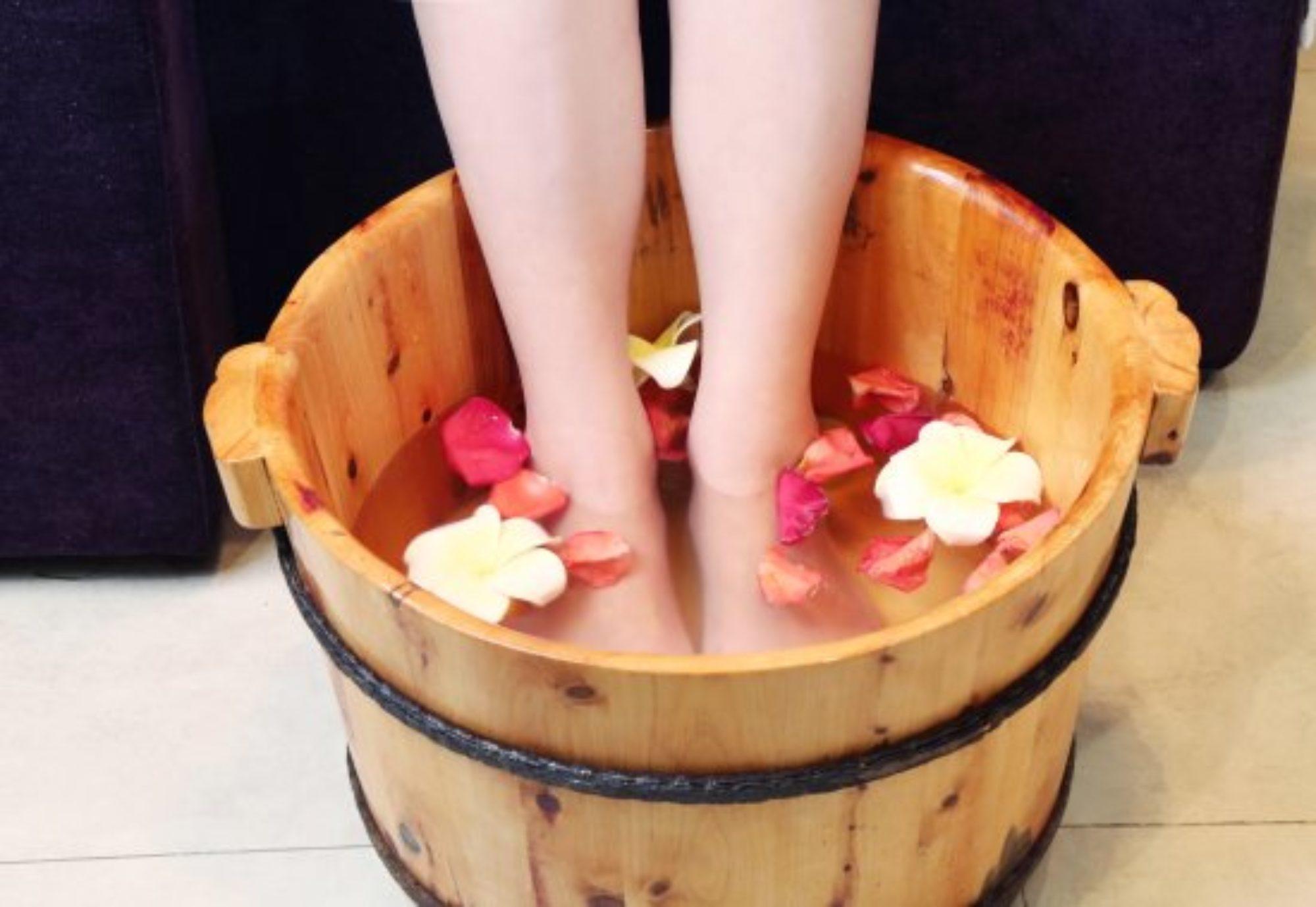 Lighten Up - Ion Detox Foot Bath & More